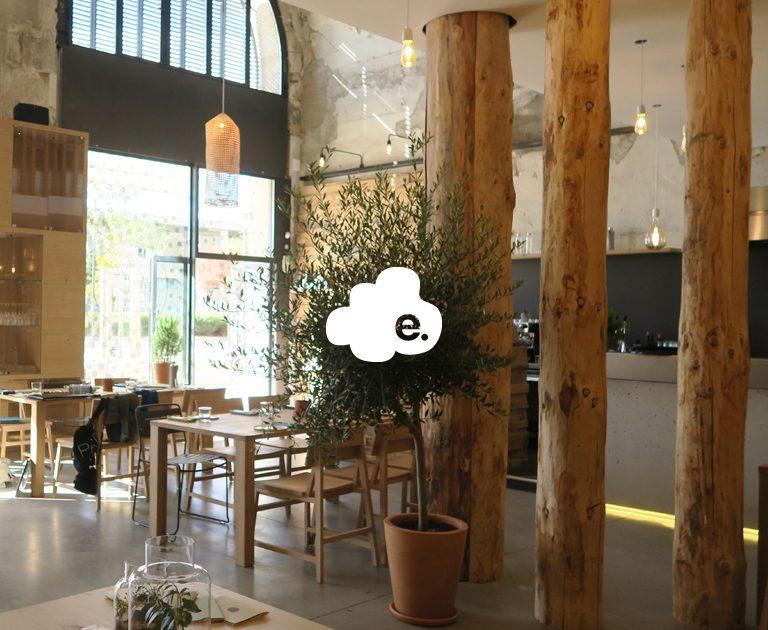 Essentiel-nuage3-Lifestore-retailing-restaurant-boutique-Concept store-Marseille-Enseigne-Architecture commerciale-Deign graphique-identite visuelle-Agence de design le 6 PAris